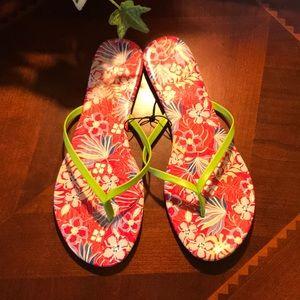 NWT Pink Floral Juniper + Lime Thong Flip Flips